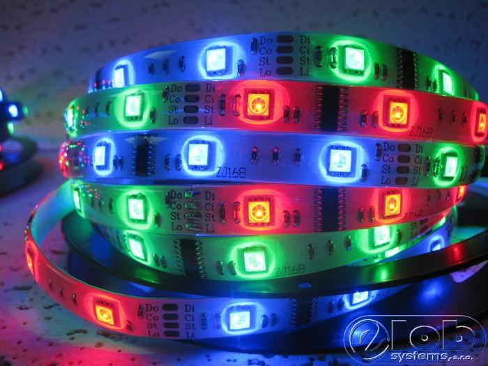 Pásek LED 60x5050SMD, 12V, 12W/m, IP54, RGB digi., černý podklad